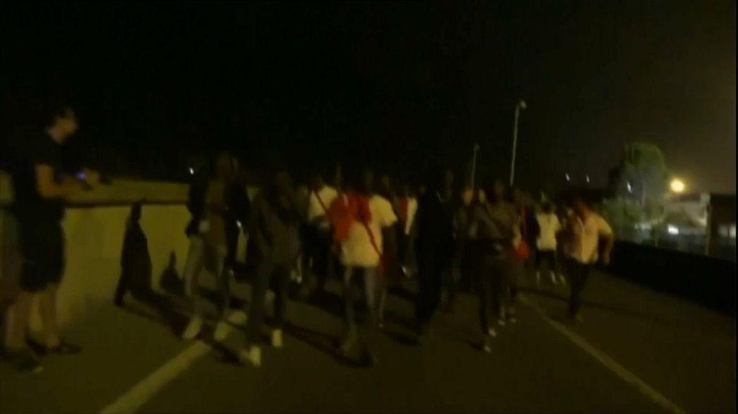 Ventimiglia: fuga di migranti verso il confine con la Francia