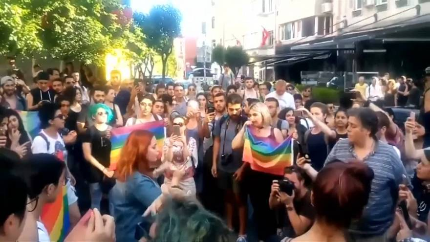 Protesters and police clash at banned Istanbul pride parade