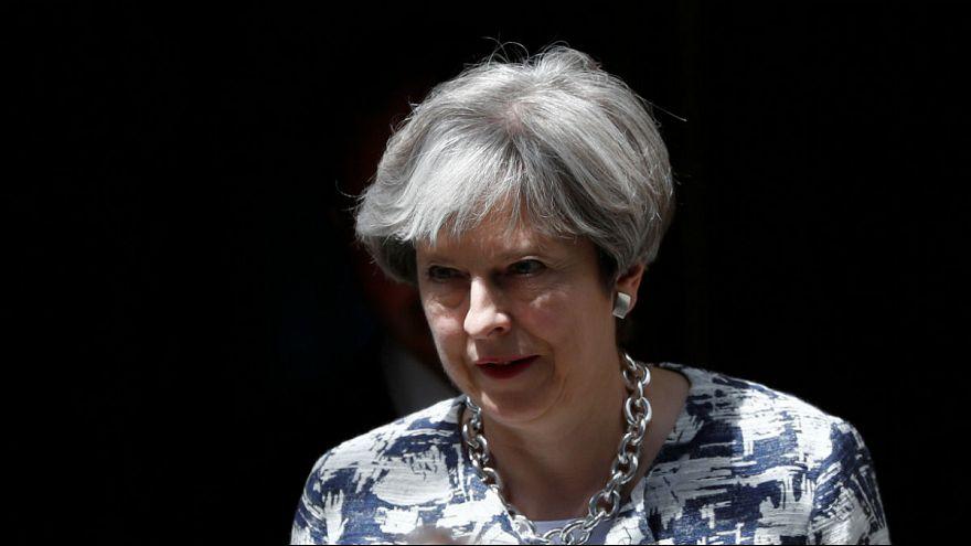 """Мэй пообещала не выгонять из страны граждан ЕС после """"брексита"""""""