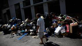 Greek rubbish crisis mounts