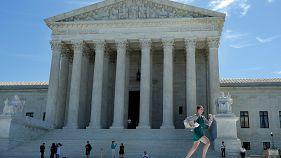 El Tribunal Supremo de EE.UU. da una victoria parcial a Trump al validar parte de su decreto que prohíbe la entrada a los nacionales de seis países musulmanes
