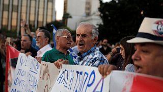 Grèce : les ordures s'entassent