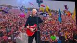 Barry Gibb brings disco fever to Glastonbury