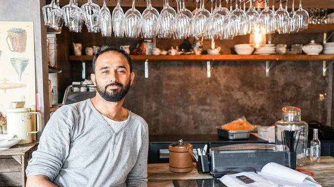 Cocineros refugiados de vuelta al fogón