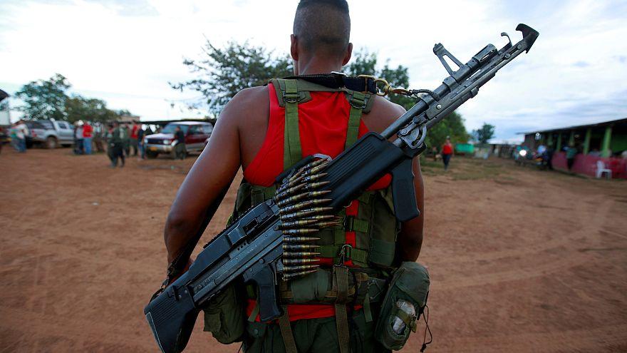 تمرد الفارك يلقي السلاح في كولومبيا