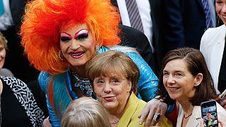 Merkel paves way for gay marriage vote in Germany