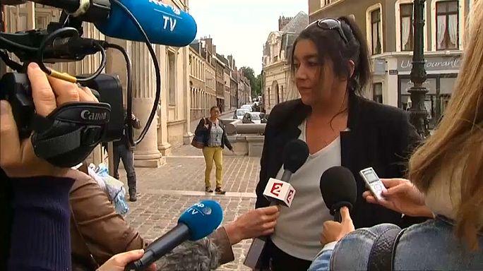 Francia: condannata l'ex militante di FN che ha aiutato un migrante per amore