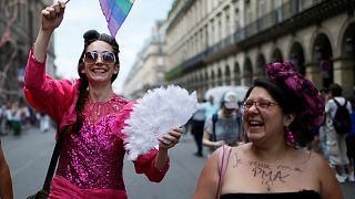 France : les couples de lesbiennes à quelques pas de la PMA