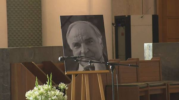 Leading German MPs attend mass for Helmut Kohl