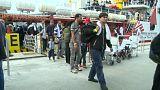وصول 877 مهاجرا إلى باليرمو بعد انقاذهم في عرض البحر