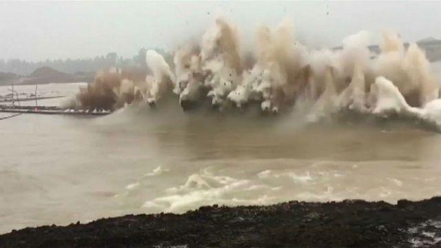 شاهد: تفجير سد في الصين