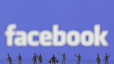 Facebook franchit la barre des 2 milliards d'utilisateurs et soigne son image