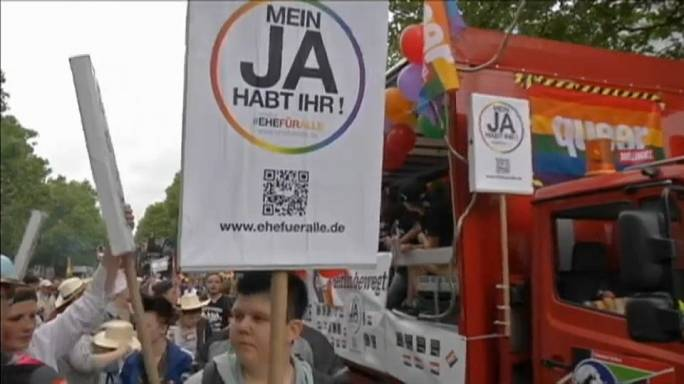 """Merkel e casamento gay: """"As pessoas devem votar em liberdade"""""""