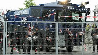 Tökrészegen, nyilvánosan szexeltek a G20-ra kivezényelt berlini rendőrök