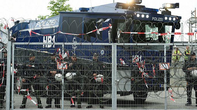 G20-Skandal: Striptease mit der Dienstwaffe? Es brodelt in den sozialen Medien