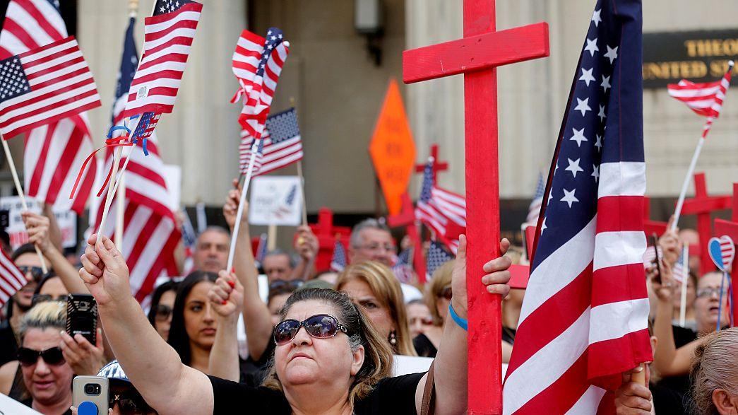 قاض أمريكي يعلق عمليات ترحيل أكثر من 1400 مهاجر عراقي