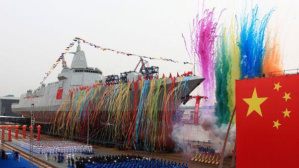 چین از ناوشکن جدید خود رونمایی کرد