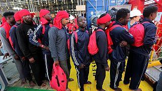Migranti: ipotesi blocco porti