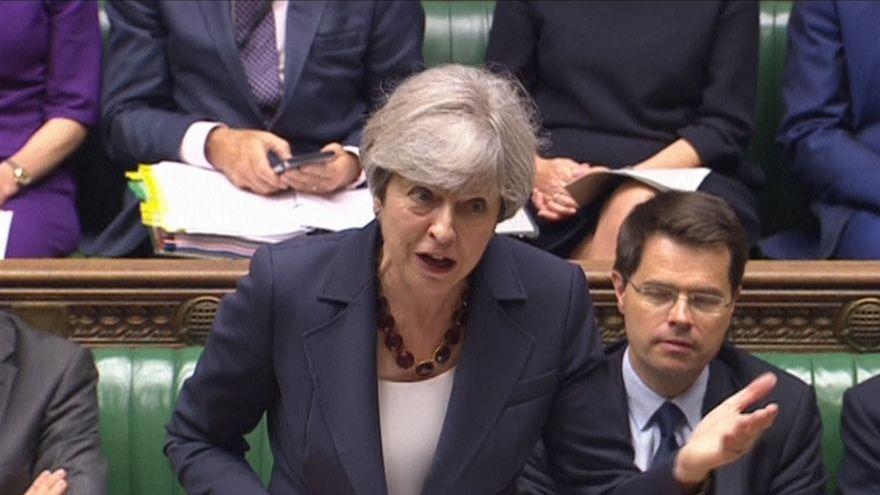 Theresa May defende período de transição para o Brexit