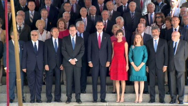 Felipe VI, frente a las fracturas españolas 40 años después del 15-J