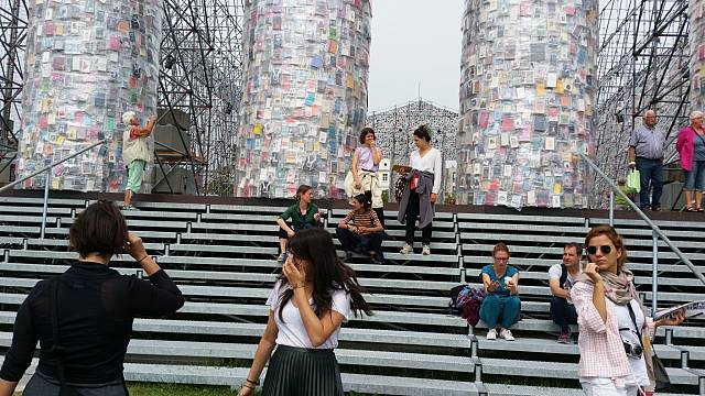 Documenta 14: Aufzeigen, was unerträglich ist?