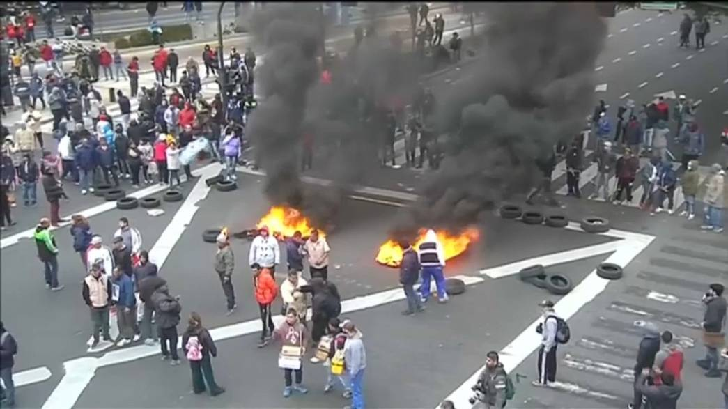 Arjantin'de sol gruplar polisle çatıştı
