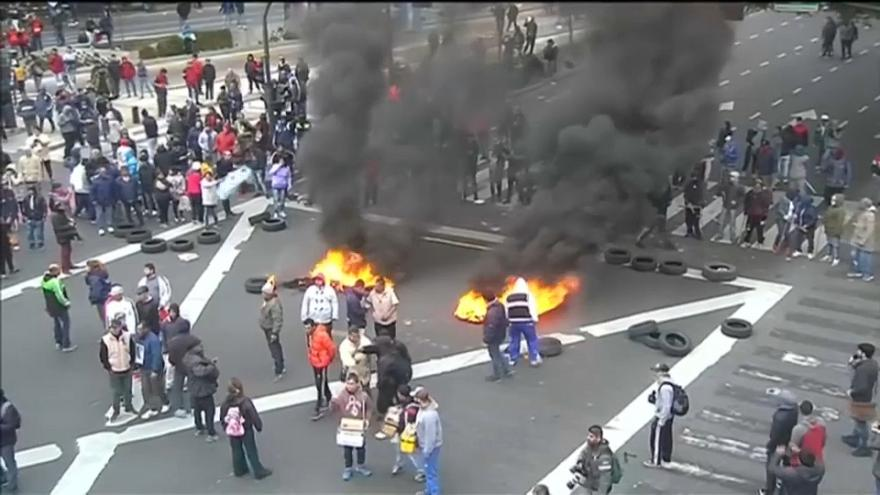 Violent clashes in Buenos Aires