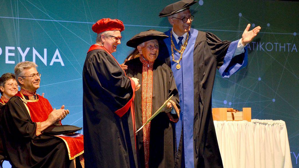 97 évesen diplomázott le a görög aggastyán
