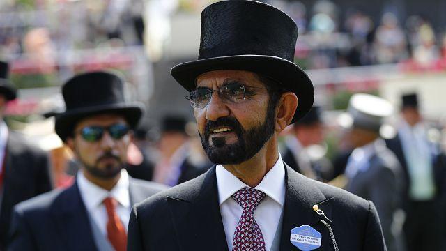 حاكم دبي يلبي نداء سكان قرية بريطانية بتأسيس مركز اجتماعي