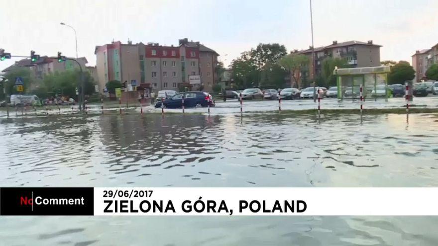 Polónia atingida por tempestade e inundações