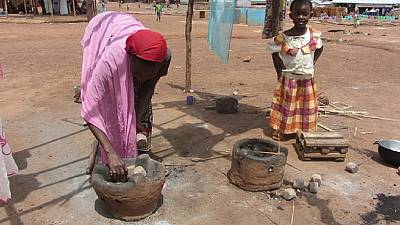 Refugees reduce conflict, protect forests in Cameroon with new stoves
