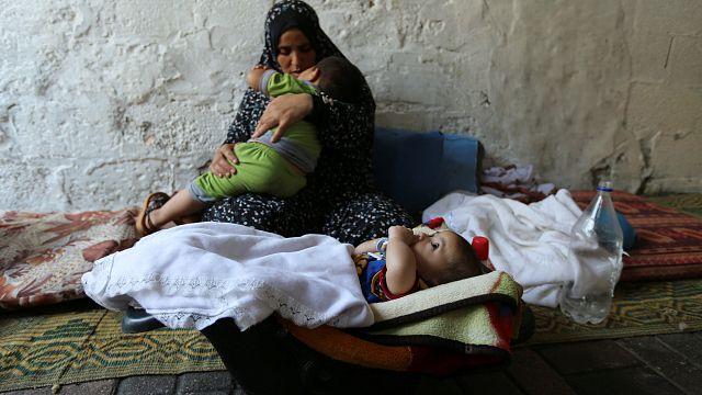 معاناة سكان غزة تستمر بسبب الخلافات بين حماس وعباس