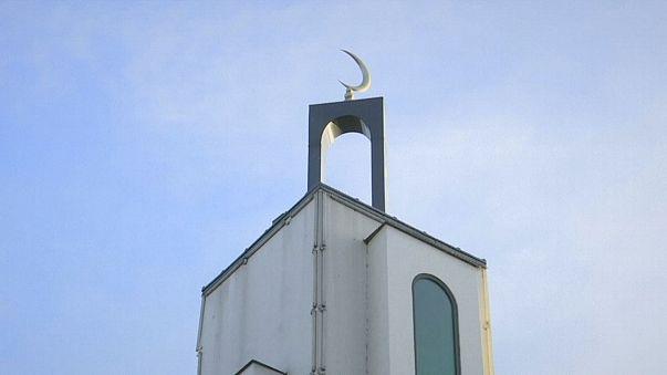 محاولة اقتحام مسجد في ضواحي باريس وإلقاء القبض على المشتبه به
