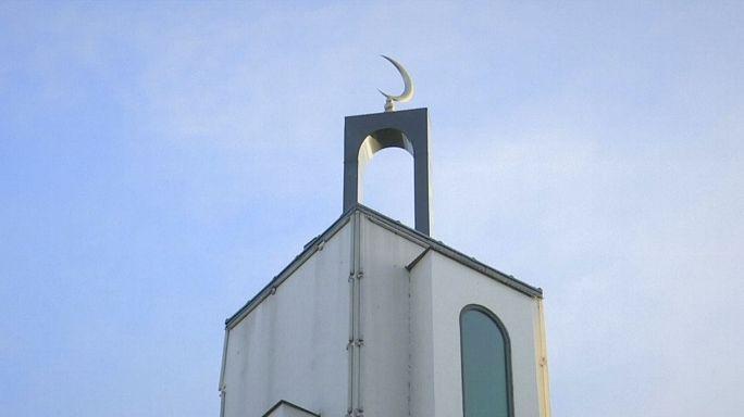 Fransa'da cami önünde araçlı saldırı
