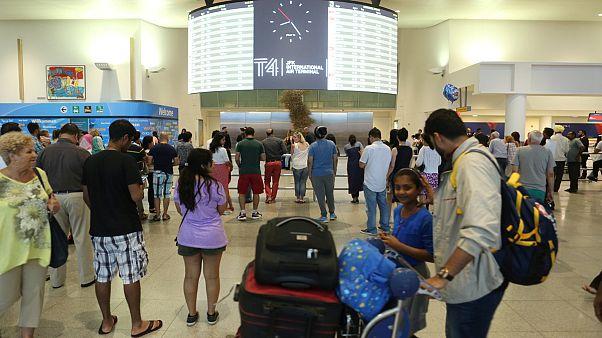 آغاز اجرای فرمان محدودیت سفر به آمریکا