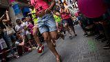 Loca carrera de tacones en Madrid