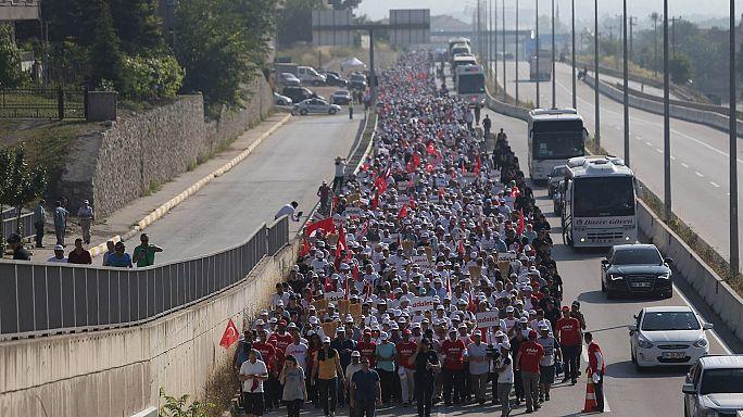 'Adalet Yürüşü'nde CHP'li vekil kalp spazmı geçirdi