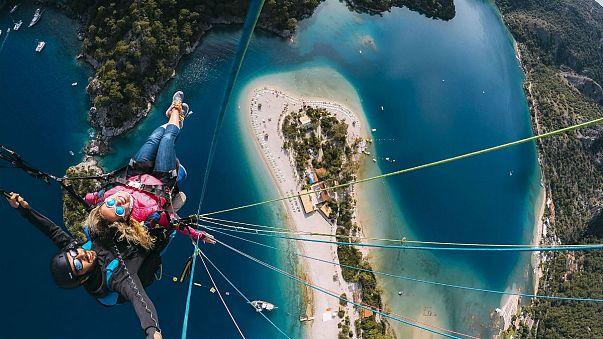 Fethiye Ölüdeniz'de yamaç paraşütü keyfi
