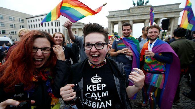 Однополые браки: немцы довольны
