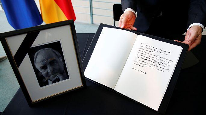 Trauerakt und Beisetzung von Deutschlands Altkanzler Kohl