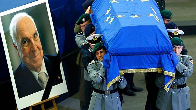 Tributes paid to 'true European' Helmut Kohl
