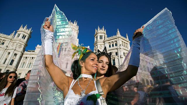 A Madrid world gay pride da record: oltre un milione in piazza