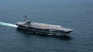 """حاملة الطائرات الأمريكية العملاقة """"يو أس"""" جورج بوش ترسو قبالة حيفا"""