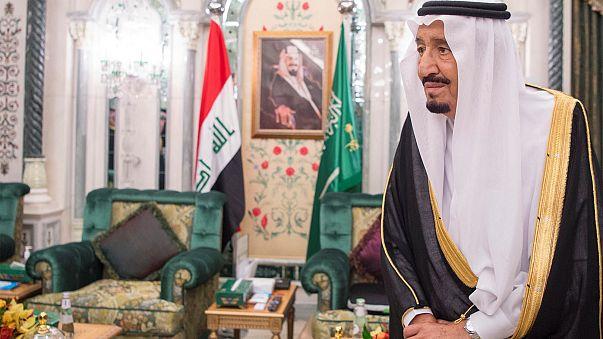 توقيف كاتب سعودي لإضفائه صفات إلهية على الملك سلمان