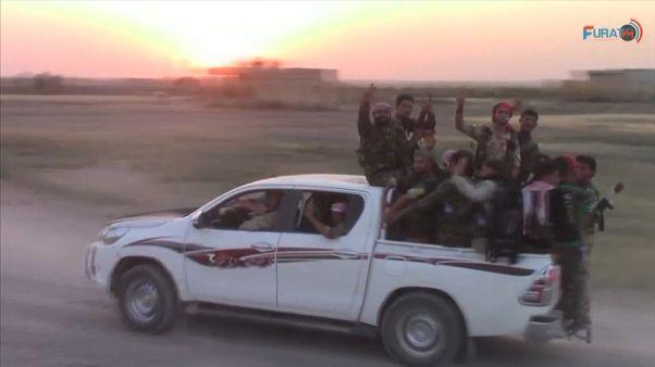 Siria: le forze anti-ISIS entrano a Raqqa dal sud, attraversando l'Eufrate