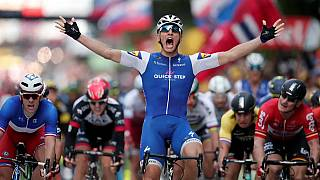 Kittel vence ao sprint segunda etapa do Tour