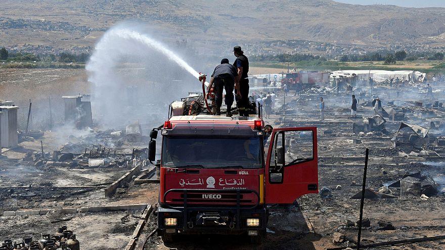 """حريق """"غير معروف الأسباب"""" يوقع ضحايا بمخيم للاجئين السوريين في البقاع"""