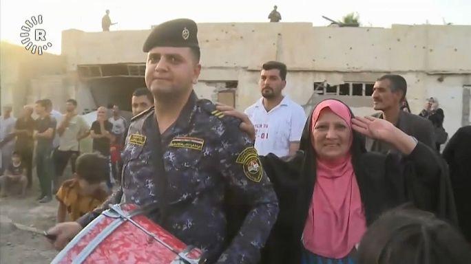 Irak Ordusu Musul'da zafer kutlamalarına başladı