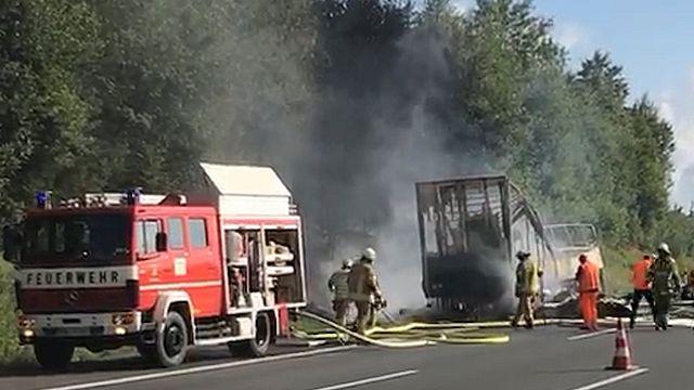 Allemagne : 18 touristes meurent dans leur bus carbonisé