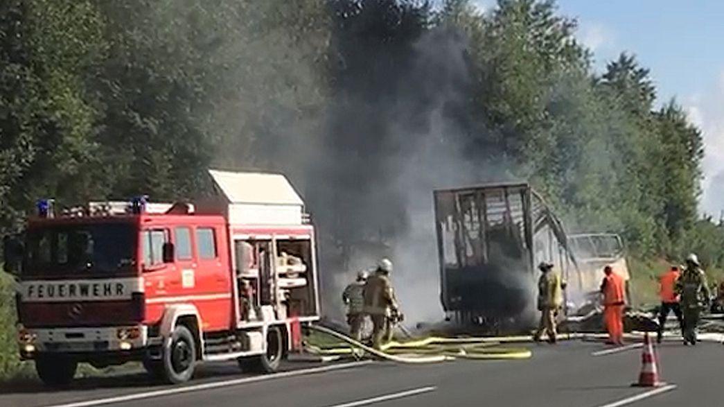 Busunfall auf A9 in Oberfranken: Polizei geht von 18 Toten aus